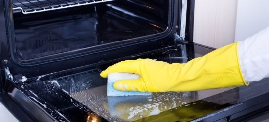 Rengøring af ovn - sådan gør du det lettest!